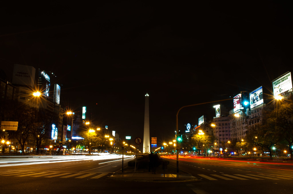 Avenida 9 de Julio de noche
