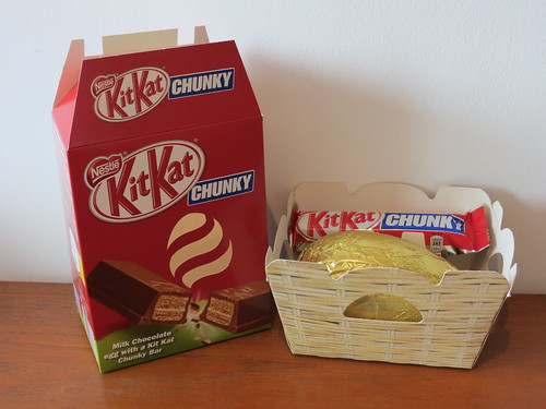 Kit Kat Easter Egg with Kit Kat Chunky (UK)