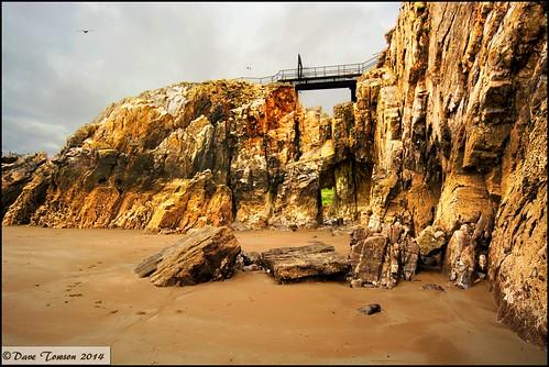 beach southwales wales coast sand scenery rocks view coastal pembrokeshire tenby stcatherines naturalsettings