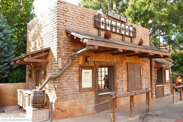 WDW Oct 2011 - Wandering through Frontierland