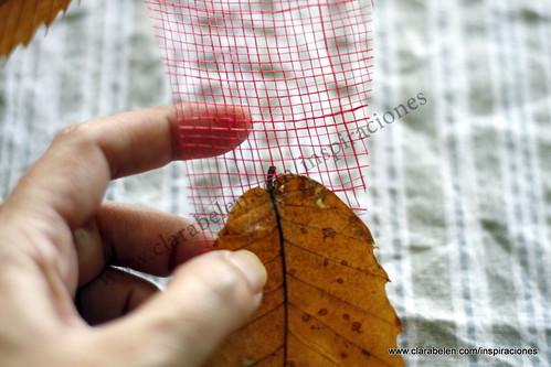 Manualidades para decorar: cintas de hojas secas para el árbol de Navidad