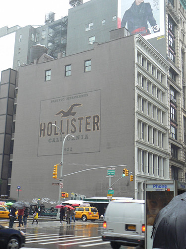 affiche Hollister.jpg