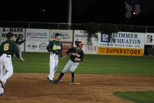 Kyle Sandulescu running to third base 4 (horizontal Fall 2011 A. Snucins)