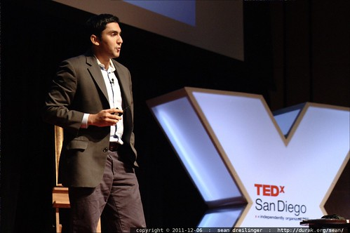 Shamil Hargovan of Hewlett Packard demonstrates visual input to a search engine at TEDxSanDiego    MG 3706