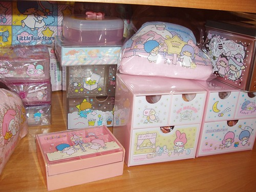 Little Twin Stars and My Melody chests/candy cabinets/jewellery box/letter sets in drawers