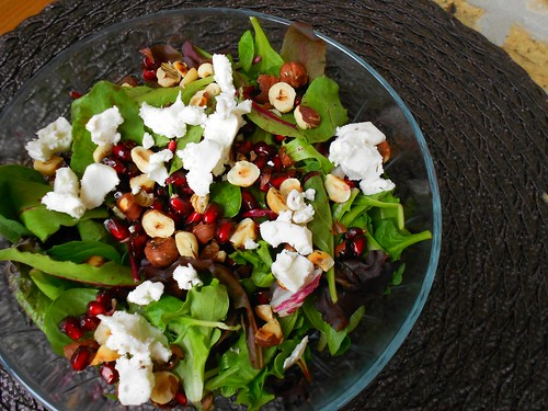 pomegranate goat cheese salad