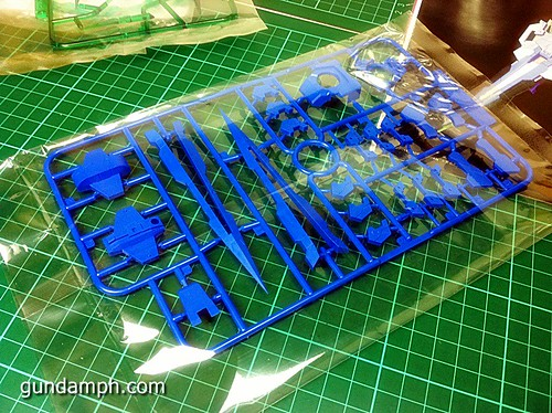 6544023619 bc06d349b1 MG Quan[T] GN Sword IV Full Saber | BTF Colored Resin Kit | Unboxing