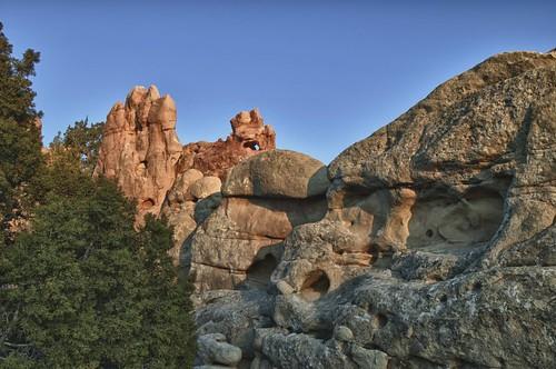 newmexico nature rock sandstone gardenofthegods geology nm14 rockfins dakotasandstone turquoisehighway loscerrilos allnaturesparadise gardenofthegodsnewmexico
