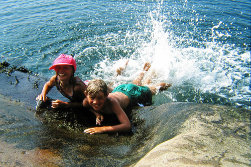 life girls summer people beach me girl kids barn children person kid europe child sweden earth human sverige 1995 splash scandinavia humans scandinavian 1000views bohuslän tellus homosapiens organism europaeuropean ratexla zorgia photophotospicturepicturesbildbilderfotofotonimageimages