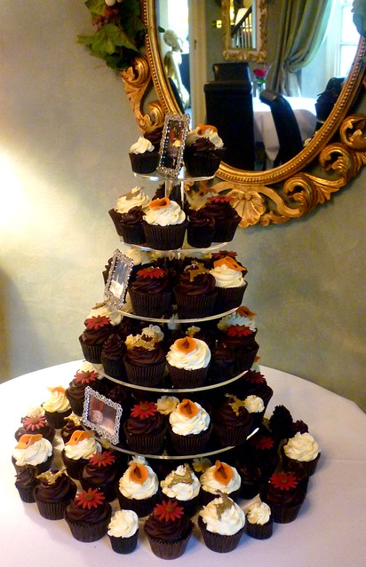 Brown and red christmas themed wedding cupcake tower
