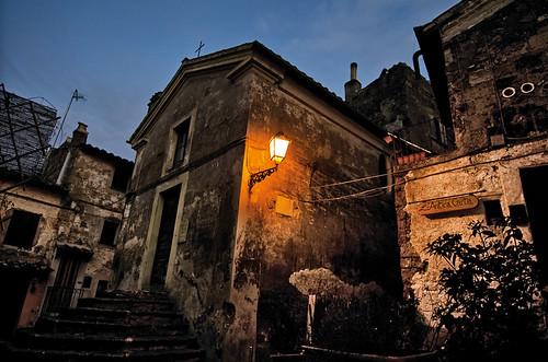 christmas sunset panorama rome roma tramonto place folklore noel chiesa piazza tradition albero natale viterbo lazio sera presepe crepuscolo paese calcata villaggio rurale artigianato tradizione