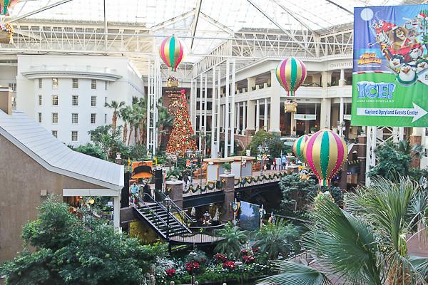 Opryland Hotel atrium