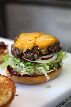 paris cheeseburger