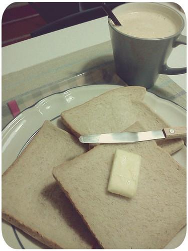 早餐 ::: 全麥吐司+熱咖啡 by 南南風_e l a i n e