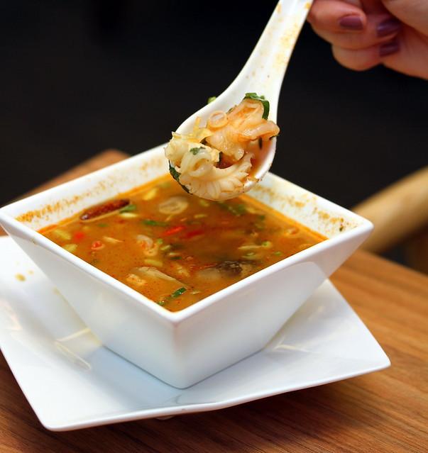 地道泰国菜:山药海鲜汤