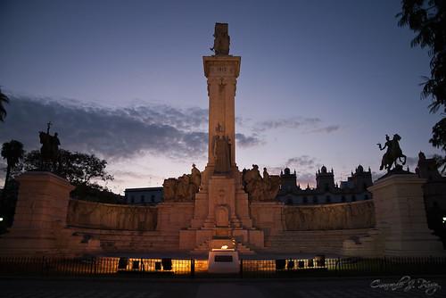 Plaza de España, Cádiz by Conrado J.Pérez
