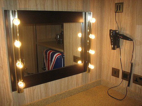 Dressing room mirror with hairdryer flickr photo sharing for Celebrity dressing room mirror
