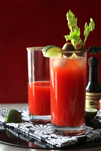 The Caesar cocktail, Canada's brunch (or anytime) drink is similar to a Bloody Mary, with a few key changes. Once you try one, you'll never go back. 158 calories and 7 Weight Watchers Freestyle SP