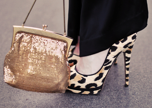 Leopard  Print shoes  -  vintage gold bag