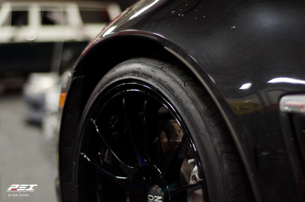 Corvette Grand Sport front wheel