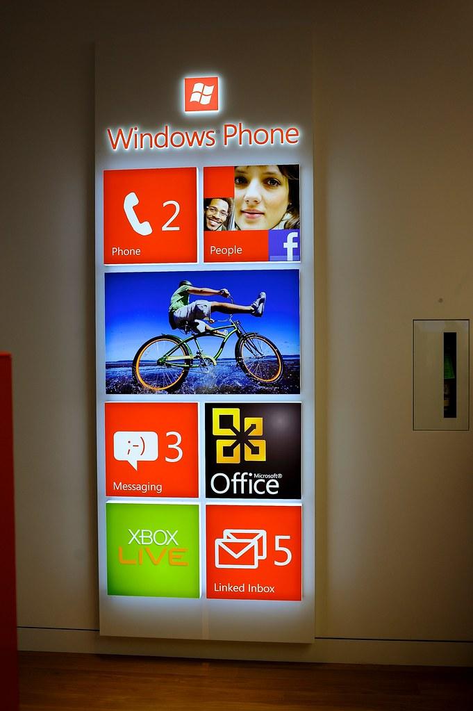 [Hình ảnh] Microsoft Store có những gì?