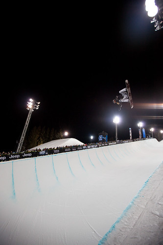 30Men's snowboarding Superpipe finals