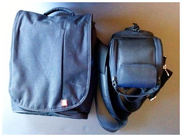 """Fototasche für Canon Powershot SX10 IS und Tasche für """"den Rest"""""""