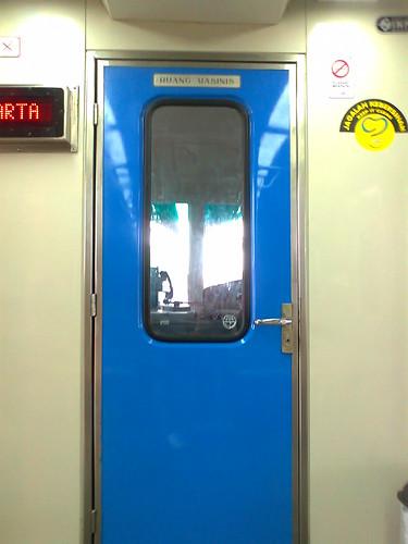 Pintu Kabin Masinis Madiun Jaya AC