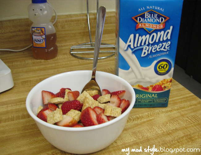 Whole Food Cereal w-strawberries