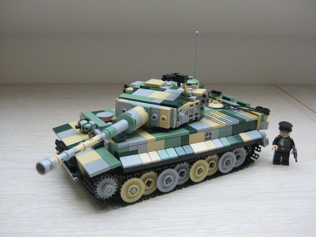 lego ww2 tank tiger 1 camo lime - a photo on Flickriver