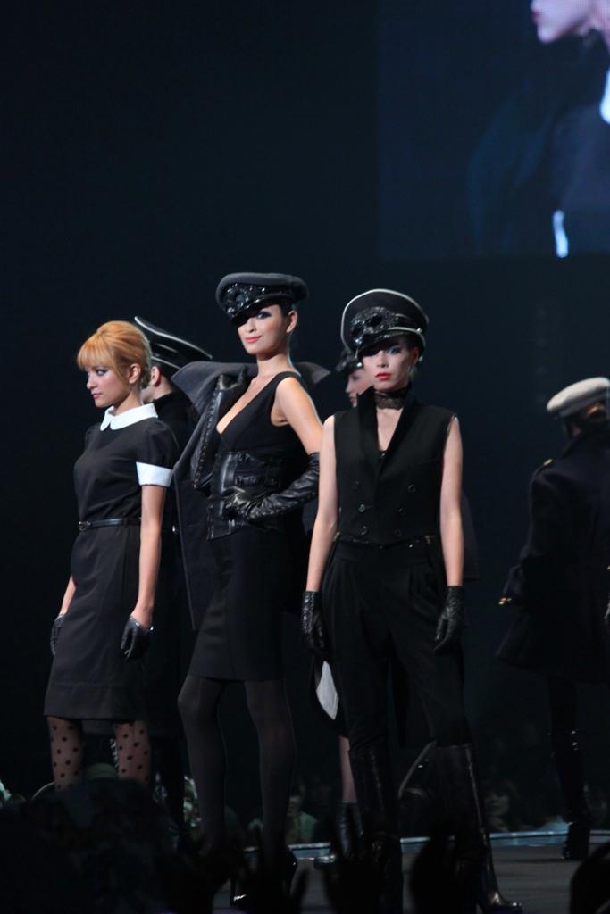 Tokyo Girls Collection 2011 AutumnWinter (3)