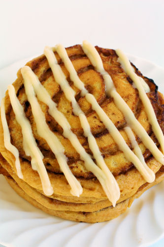 Cherrapeno: Pumpkin Cinnamon Roll Pancakes
