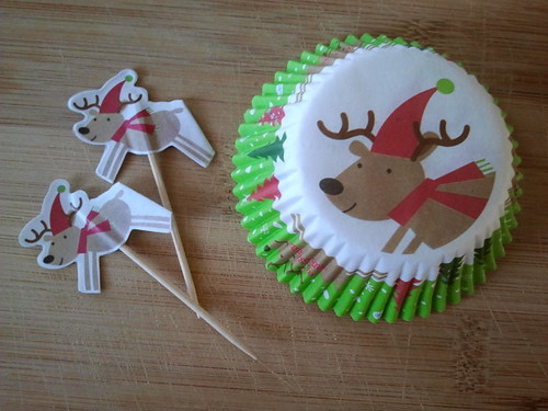 Muffin Tin Monday (Reindeer liners and picks)