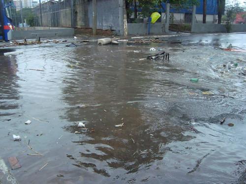 Enchente em 08/12