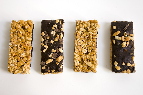 Kashi's Peanutty Dark Chocolate Bar