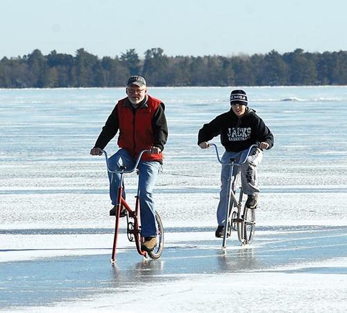 201112131213-ice-bicycles[1]