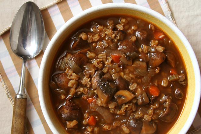 mushroom farro soup 7
