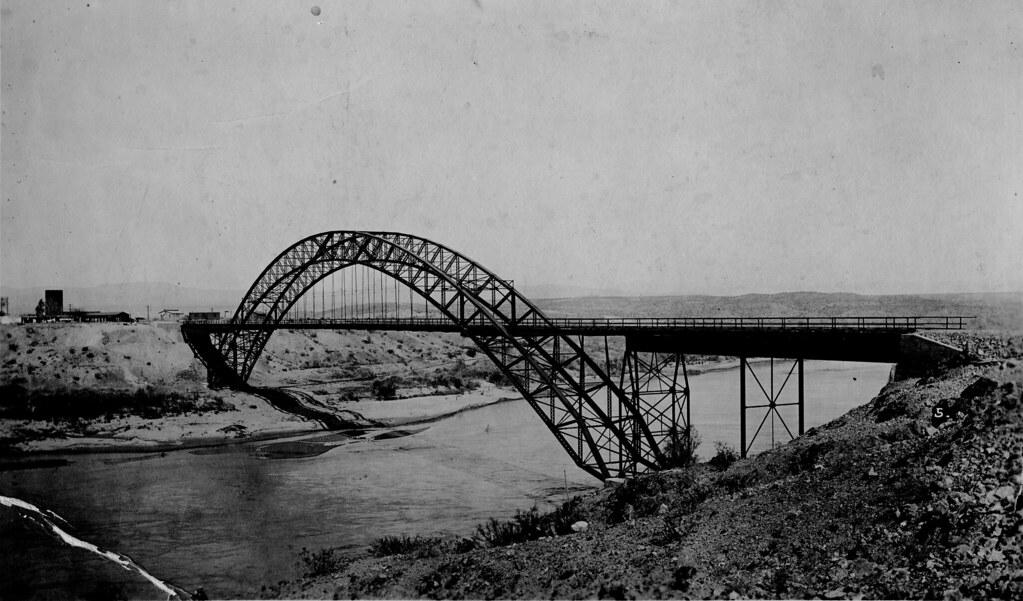 [ARIZONA-B-0005] Colorado River - Trails Arch Bridge or Topock Bridge