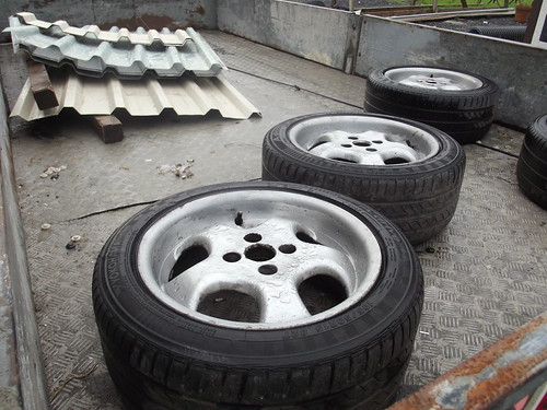 Rh cups with tyres 6538297803_e22b0ccaa9
