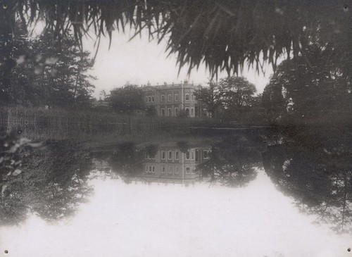 Mansion and Lake 1 (2)