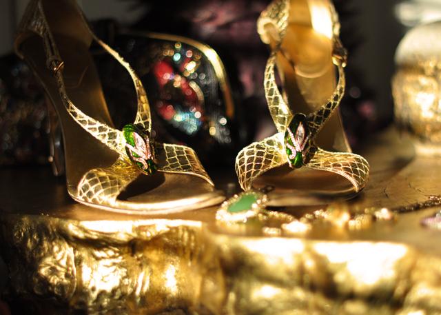 gold guccie snakeskin heels-snake shoes