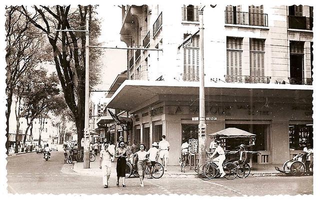 SAIGON - Un coin rue Catinat