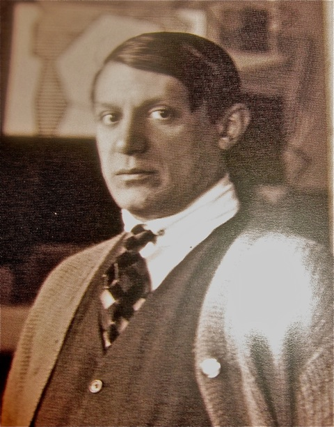 Picasso. 1922, Man Ray photo  ARS