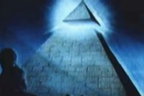 Illuminati_Pyramid_Blue_01