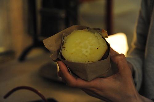 暖炉で焼き芋