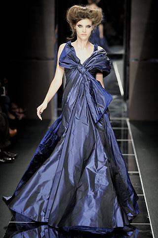 Elie-Saab-Otoño-2008-vestido-azul-largo