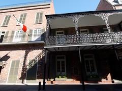 木, 2010-12-02 10:43 - American Townhouse 飾り用鉄細工 Decorated Ironwork Balconie and Gallery French Quarter, New Orleans