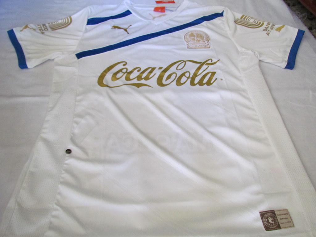 Camisa Olimpia Centenario (Detalles)