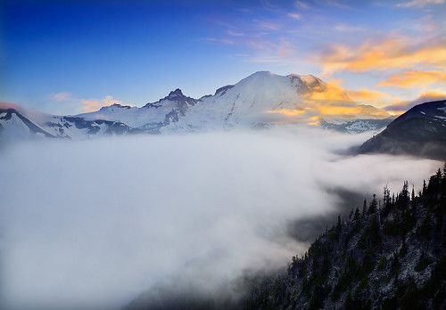 sunset sky mist mountain color fog sunrise landscape nikon explore washingtonstate mtrainier mtrainiernationalpark emmonsglacier explored bestcapturesaoi tahomapeak elitegalleryaoi