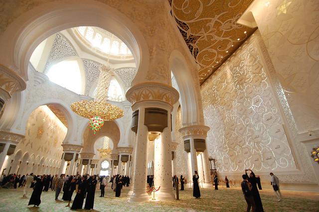 La espectacular Mezquita Sheikh Zayed en Abu Dabi 6737500853_196547c8f4_z